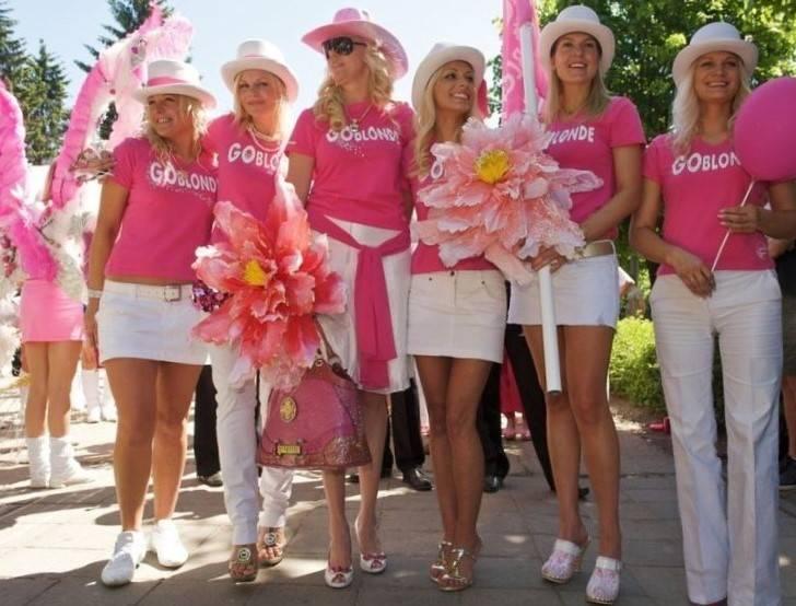 парад блондинок