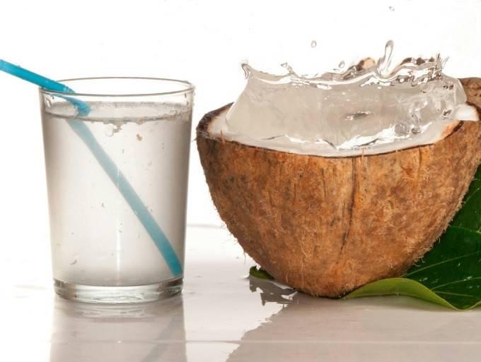 кровь и кокосовая вода