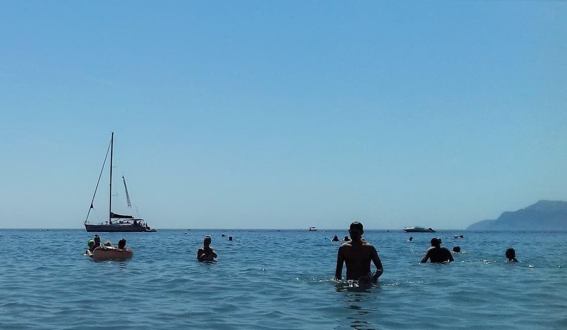 Крым: море в Орджоникидзе