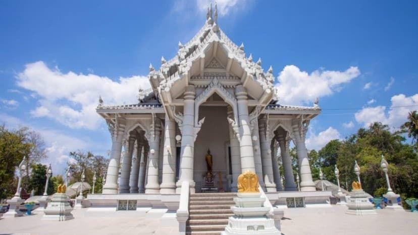 Белый храм Краби